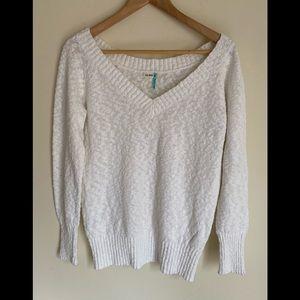 Old navy white V-neck sweater